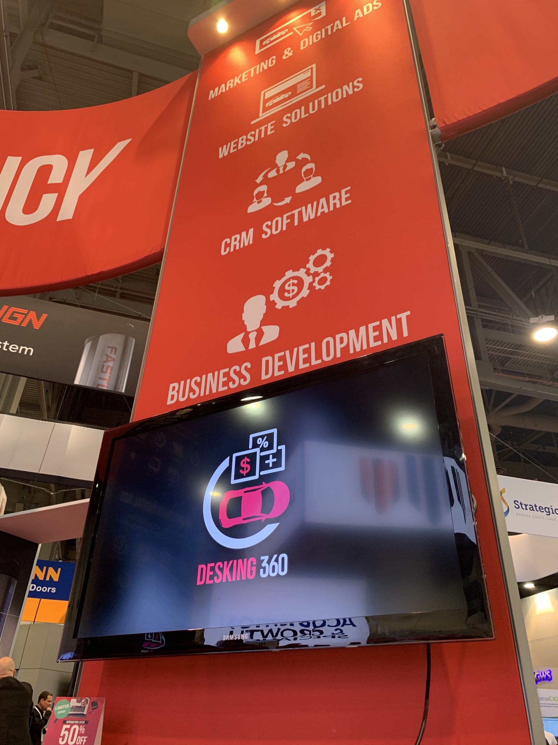 NADA 2020_360.Agency_booth_red_side